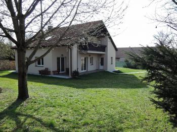 Pronájem domu v osobním vlastnictví, 211 m2, Hostivice