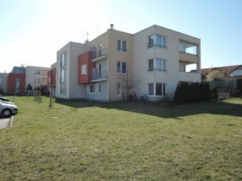 Prodej bytu 1+kk v osobním vlastnictví, 34 m2, Hostivice