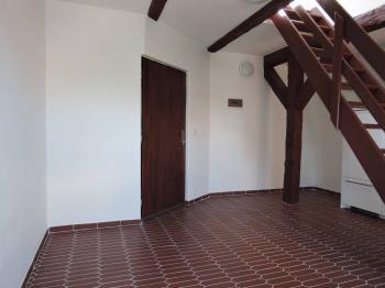 Pronájem komerčního prostoru (kanceláře) v osobním vlastnictví, 39 m2, Hostivice