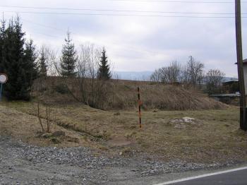 Pohled z komunikace - Prodej pozemku 762 m², Jeseník
