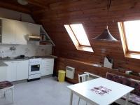 kuchyně s jídelnou ve II.NP (Prodej domu v osobním vlastnictví 250 m², Dolní Studénky)