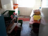 černá kuchyně a prádelna I.NP (Prodej domu v osobním vlastnictví 250 m², Dolní Studénky)