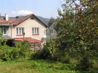Pohled ze zahrady na dům  (Prodej domu v osobním vlastnictví 220 m², Lipová-lázně)