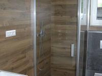 Sprchový kout v přízemí - Prodej domu v osobním vlastnictví 145 m², Jeseník