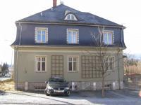 Parkování před domem - Pronájem bytu 3+1 v osobním vlastnictví 88 m², Jeseník