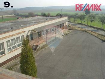 Prodej komerčního objektu 5912 m², Všemyslice