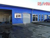 Pohled na budovu s kanceláří příjmu zakázek, servisu, skladů atd. (Prodej komerčního objektu 5422 m², Strakonice)