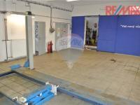 Servis (Prodej komerčního objektu 5422 m², Strakonice)