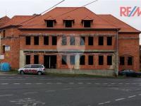 Pohled na budovu (Prodej komerčního objektu 680 m², Rabí)