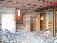 Schodiště a výtahová šachta (Prodej komerčního objektu 680 m², Rabí)