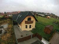 Pohled na dokončenou 1/2 dvojdomu (Prodej domu v osobním vlastnictví 148 m², Blatná)