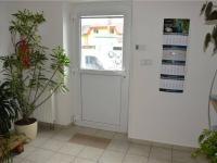 hlavní vchod do budovy (Pronájem komerčního objektu 22 m², České Budějovice)