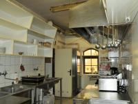 Restaurace - kuchyně (Pronájem domu v osobním vlastnictví 295 m², Písek)