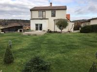 Rodinný dům se zahradou a garáží, Hluboká nad Vltavou (Prodej domu v osobním vlastnictví 180 m², Hluboká nad Vltavou)