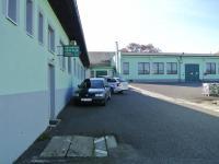 Prostory před administrativní budovou (Pronájem kancelářských prostor 65 m², Týn nad Vltavou)