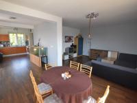 Kuchyň a pokoj (Prodej domu v osobním vlastnictví 123 m², Sedlice)