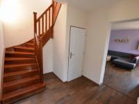 Schodiště (Prodej domu v osobním vlastnictví 123 m², Sedlice)