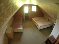 Místnost v podkroví (Prodej chaty / chalupy 33 m², Štěkeň)