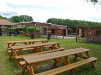 Posezení na zahradě - Prodej restaurace 200 m², Hoštice