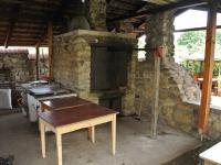 Venkovní kuchyně - Prodej restaurace 200 m², Hoštice
