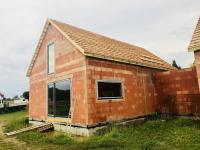 průběh stavby - stav 11.7.2018 (Prodej domu v osobním vlastnictví 125 m², Malovice)