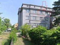 Pohled na dům ze zahrady (Prodej bytu 2+1 v osobním vlastnictví 111 m², Strakonice)