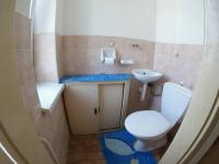 WC (Prodej bytu 2+1 v osobním vlastnictví 111 m², Strakonice)