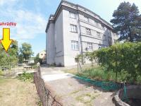 Pohled ze zahrady (Prodej bytu 2+1 v osobním vlastnictví 111 m², Strakonice)