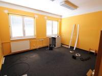 Kancelář č. 2; 16,4 m2 (Pronájem kancelářských prostor 24 m², Písek)
