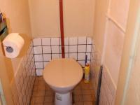 WC - v podkroví - Prodej domu v osobním vlastnictví 180 m², Prachatice