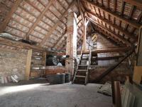 Půdní prostor - lze rozšířit obytnou část - Prodej domu v osobním vlastnictví 153 m², Chanovice