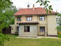 Pohled na nemovitost ze zahrady (Prodej chaty / chalupy 100 m², Ostrovec)