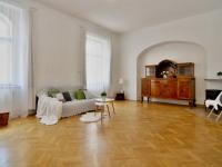 .patro ob.pokoj (Prodej historického objektu 288 m², Třeboň)