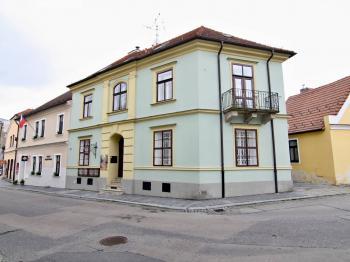 Prodej činžovního domu, ul. Husova, Třeboň - Prodej historického objektu 288 m², Třeboň