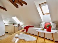 2.p ob.pokoj s kk (Prodej historického objektu 288 m², Třeboň)