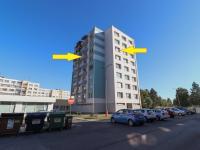 Pohled na dům s označením bytu (Prodej bytu 2+1 v osobním vlastnictví 65 m², Strakonice)