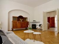 1.patro ob.pokoj (Prodej domu v osobním vlastnictví 288 m², Třeboň)