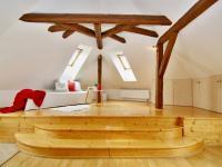 2.p ob.pokoj s kk (Prodej domu v osobním vlastnictví 288 m², Třeboň)