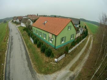 Pohled na dům - Prodej domu v osobním vlastnictví 198 m², Brand - Nagelberg