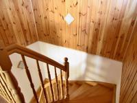 RD - Chýně - Praha západ - masivní schodiště horní patro - Prodej domu v osobním vlastnictví 175 m², Chýně