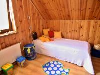 RD - Chýně - Praha západ - pokoj 2 - Prodej domu v osobním vlastnictví 175 m², Chýně