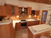 Kuchyňská linka se spotřebiči - Prodej domu v osobním vlastnictví 178 m², Strakonice