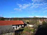 Pohled z okna - Prodej domu v osobním vlastnictví 320 m², Heřmaň