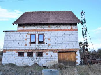 Rodinný dům z ulice - Prodej domu v osobním vlastnictví 320 m², Heřmaň