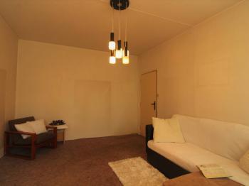obývací pokoj - Prodej bytu 4+1 v osobním vlastnictví 78 m², Plzeň