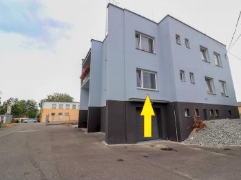 Pohled na budovu - Pronájem kancelářských prostor 30 m², Strakonice