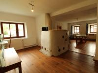 světnice s kamny - Prodej domu v osobním vlastnictví 234 m², Dolní Třebonín