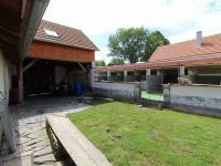 dvůr - Prodej domu v osobním vlastnictví 234 m², Dolní Třebonín