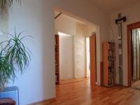 Předsíň - hala s komorou - Prodej bytu 5+1 v osobním vlastnictví 99 m², České Budějovice