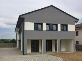 Prodej domu v osobním vlastnictví 169 m², České Budějovice